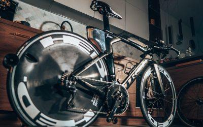 Jak samodzielnie wykonać serwis roweru i przygotować go na zawody?